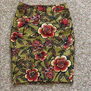 NWT LOFT Pencil Skirt - Size 4